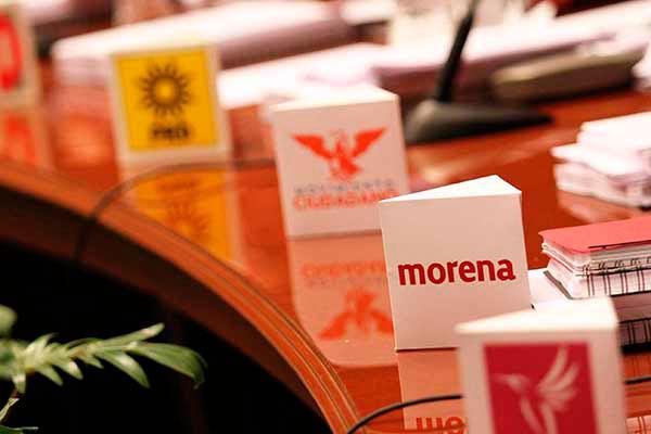Los partidos de izquierda que mejores resultados obtuvieron en las elecciones del 7 de junio fue Movimiento Ciudadano (MC) y Movimiento de Regeneración Nacional (MORENA) al desplazar al PRD hasta 5º lugar en las preferencias electorales y poner en riesgo el registro de fuerzas políticas como el Partido del Trabajo (PT) y Partido Humanista (PH).